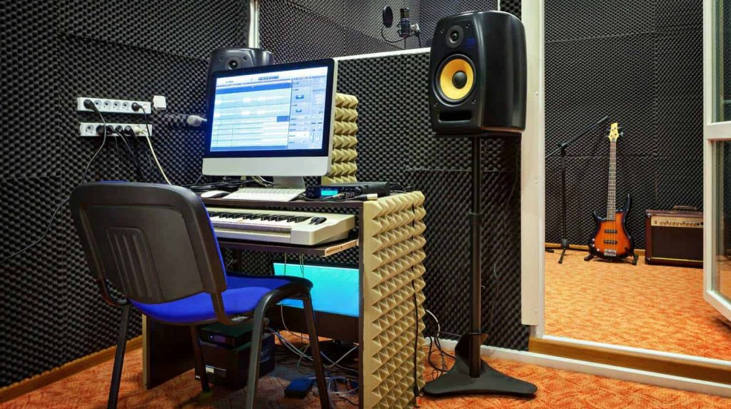 how to soundproof an apartment howtosingbetter101.com